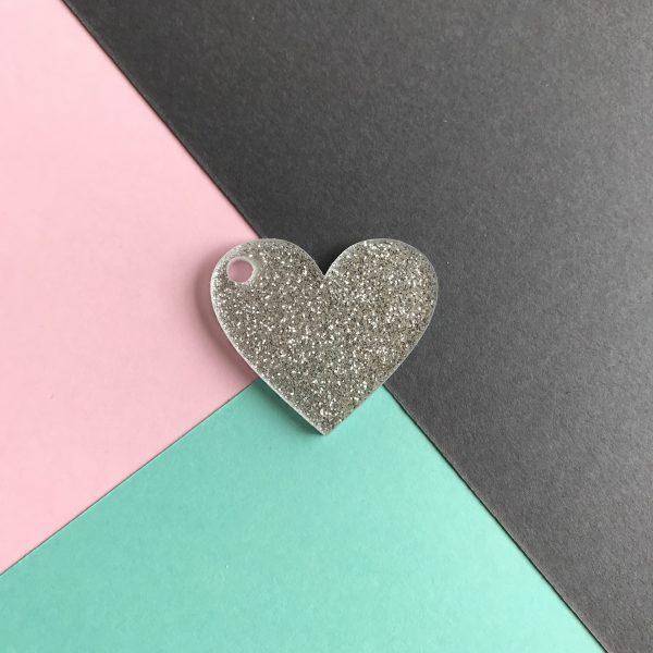 Pingente acrílico | Coração glitter prata 2,5x3cm