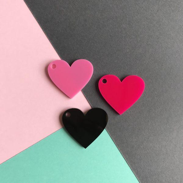 Pingente acrílico | Coração preto, rosa e pink 2,5x3cm (3un)